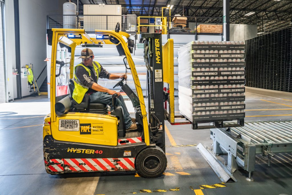 Moving inventory in warehouse storage similar to cross docking